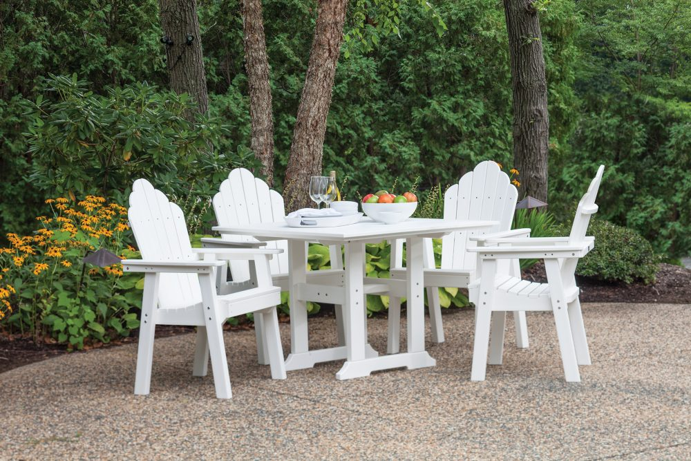 Bristol Dining Table with Yarmouth Dining Chairs