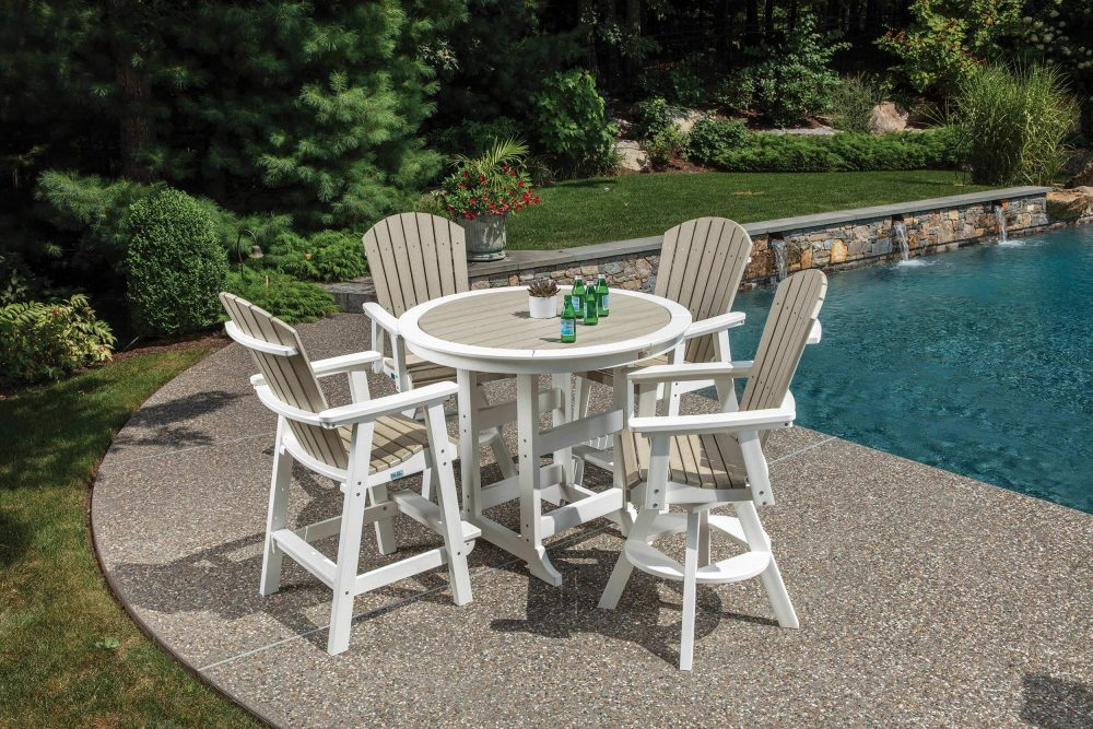 Laguna Dining Bar Height Table with Hyannis Bar Chairs