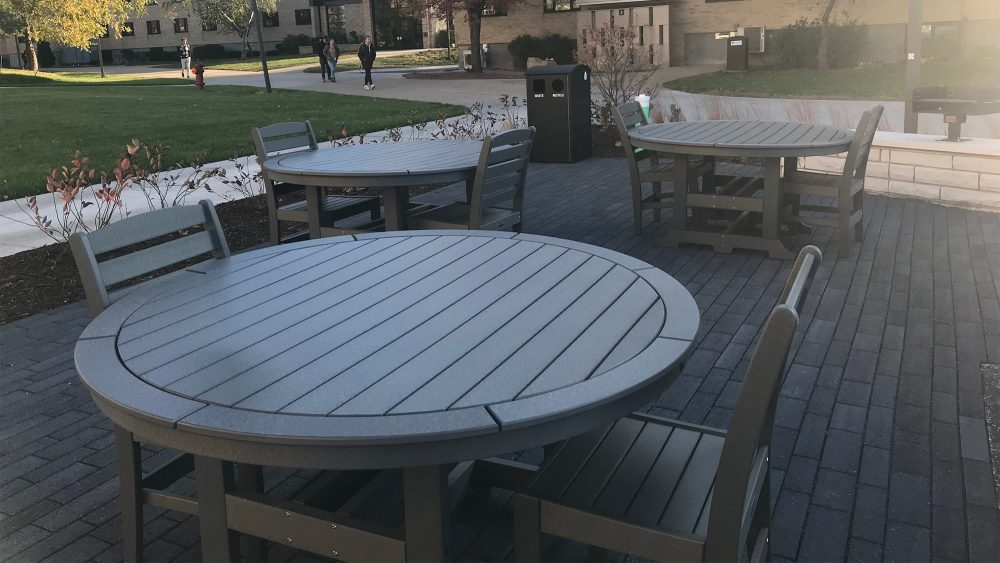 Laguna ADA Dining Tables with Maywood Chairs | college campus